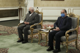 Iranian Foreign Minister, Mohammad Javad Zarif (left), is present during the meeting between Iranian President, Hassan Rouhani (left), and Iraqi Foreign Minister, Fuad Hussein, Tehran, Iran, September 26, 2020.