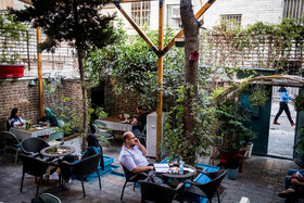 A café in Tehran is seen in the photo, Iran, October 15, 2020.