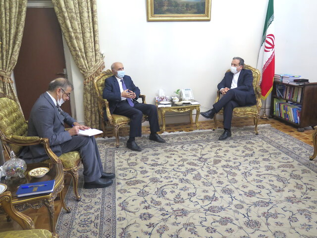 Iranian deputy FM Araghchi meets with Armenian ambassador to Tehran