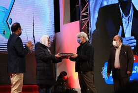 Ceremony commemorating late Alami, Martyr Khazaei in closing ceremony of 16th Resistance Int'l Film Festival