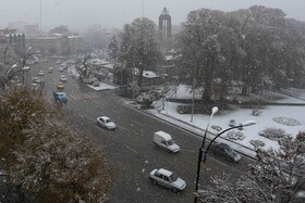 The snow covers Hamadan city for the first time in autumn, Iran, December 6, 2020.