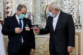 On the sidelines of the meeting between Iranian Foreign Minister, Mohammad Javad Zarif (right), and his Syrian counterpart, Faisal Mekdad (left), in Tehran, Iran, December 7, 2020.