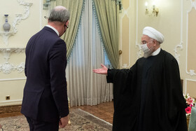 Irish FM meets with President Rouhani