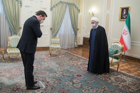 Serbian FM meets with Iranian President