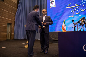 The former Oil Minister, Rostam Ghasemi (R), attends a press conference in Tehran, Iran, April 27, 2021. During the press conference, Rostam Ghasemi announced his decision to run for president.