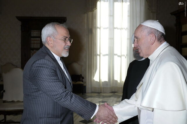 Iran FM holds talks with Pope Francis