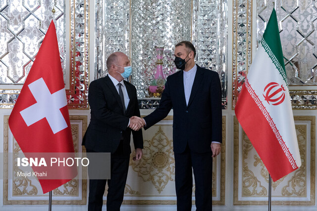 Iranian FM meets with president of Swiss National Council