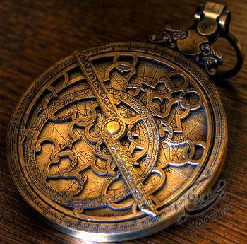Astrolabe-on-wood